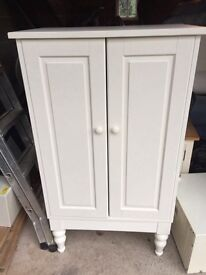 Small white wardrobe, 2 shelves