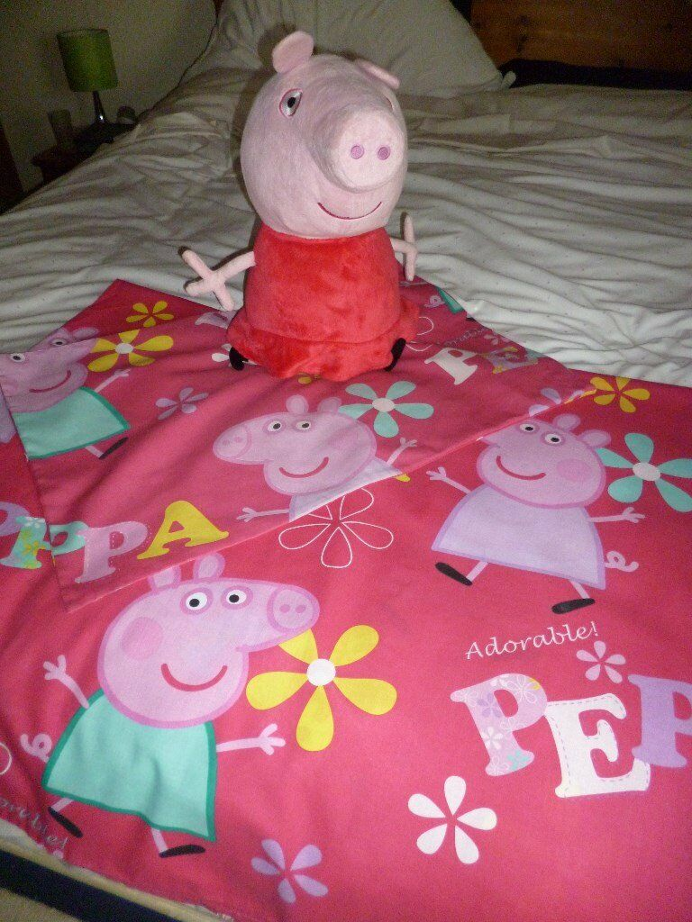 Large Talking Peppa Pig and Cot/Cotbed Quilt cover and pillowcase. VGC - Shipley