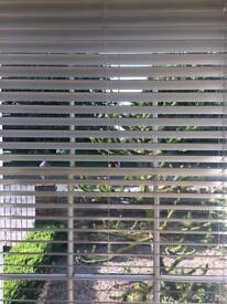 Venetian blinds x 3