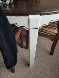 6 chair dining room table £80 obo