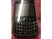 Mobile phone black berry 8520 virgin