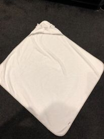 Mothercare Baby Bath with Top and Tail Bowl and Large Towel