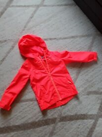 Mountain warehouse waterproof jacket 5-6 years