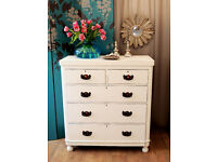 Lovely antique Victorian chest of drawers