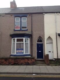 House to rent Hartlepool - Huge 3 bedroom house with high ceilings - Murray Street, Hartlepool
