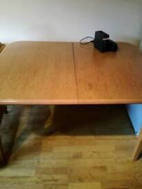 Slightly broken extendable table up for grabs