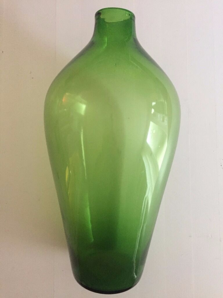 green glass aperitivo pin more vases vase centro pinteres