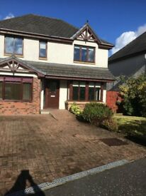 Beautiful 4/5 modern detached house for rent