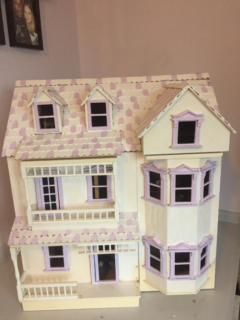 Traditional Wooden 3 Story Dolls House Including Furniture And Figures