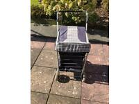 4 wheel shopping trolley good condition nothing wrong with its very clean i