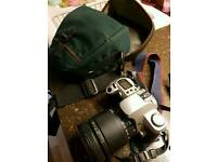 Canon eo500 camera with 28-200 lens and bag