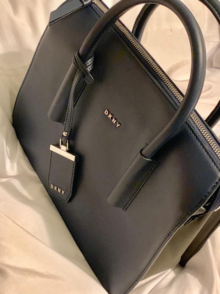 NEW DKNY Navy Tote Handbag Crossbody Bag with purse  d145250858e06