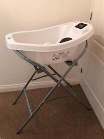 Aquascale digital baby bath tub only used twice