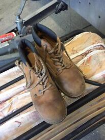 Girls dessert boots size 38