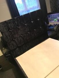 Black double divan crushed velvet bed
