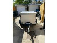 Wt thermo dog trailer