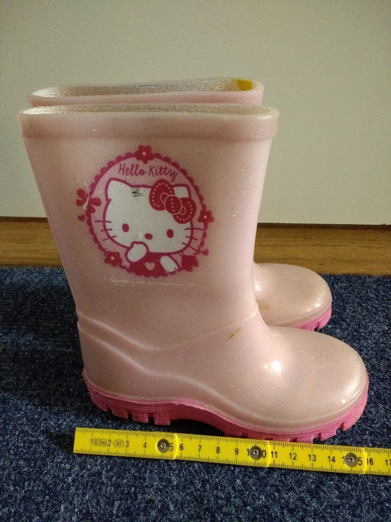 1637a7a28 Girls' Pink Hello Kitty Wellies UK Size 7 please see photos for further info