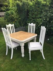 Beautiful table and 4 chairs