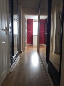 1 bedroom flat in central Weybridge