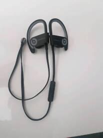 Black powerbeats 2