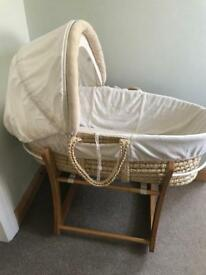 Mosses basket with rocker stand and linen