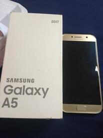 Samsung galaxy A5 2017. For parts, broken screen