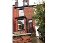 2 bedroom house to let Armley