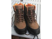 Wolverine Goretex Hiking / Safety Boots - Size 8