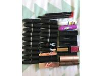 29 Mixed Lipsticks