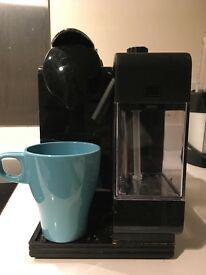 Nespresso Coffee Machine, Delonghi EN520.W, Pod Coffee Machine, Black, £85