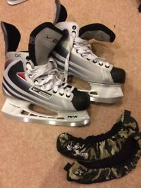 Mens Bauer Ice Skates Size 8.5 EUR 43 + blade covers