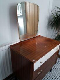 Vintage dressing table. £20