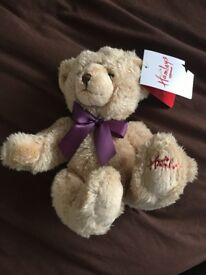 NEW WITH TAGS GENUINE HAMLEYS FAMOUS TOY STORE LONDON TEDDY BEAR SOFT EMBROIDERED PAW 3 AVAIL FREE D