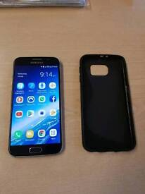 Samsung Galaxy S6 - Near perfect condition with case, charger and original packaging