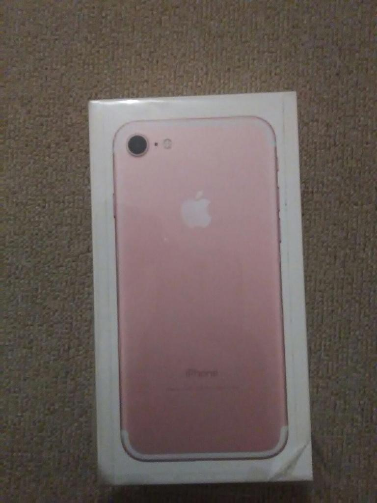 Brand new Apple iPhone 7 128GB rose gold
