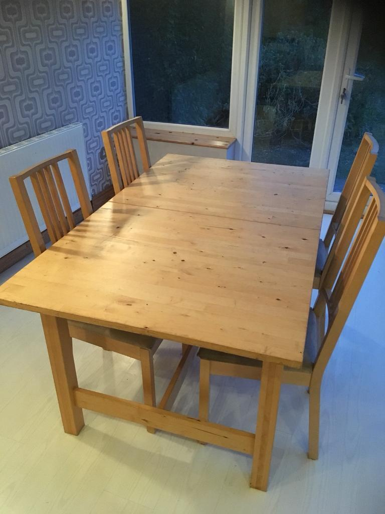 Table and chairs dining table