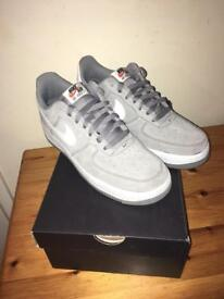 Air Force 1 - size 7 - grey and white