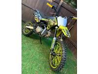 125 cc dirtbike needs new carburettor (open for offers)