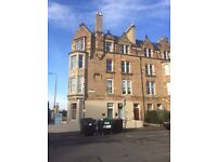 Rooms to rent for students in central Edinburgh flat