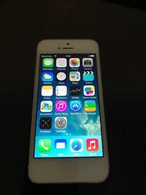 iPhone 5 / 16gb / White / Locked to EE