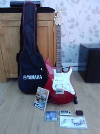 Yamaha Pacifica 012 Guitar + stand + bag + accessories