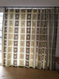 Full length patterned and lined curtains