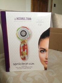 Soniclear elite face body sonic cleansing system from MICHAEL TODD
