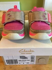 Clarks Unisex Babies' First shoes - trainers size 4G
