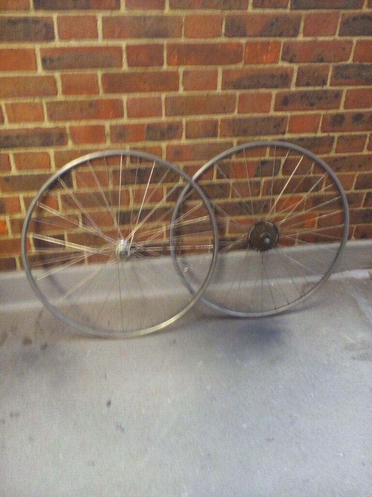 vintage shimano 7 speed wheels et and a single speed wheelset
