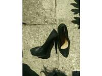 Black heels SIZE7