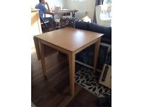 Wood dinning room extendable Table