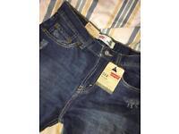 Brand new Levi's straight leg slim fit jeans W29