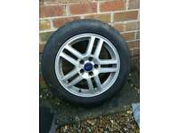 Ford single alloy wheel