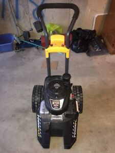 Powerplay Gas Pressure Washer 2700psi Honda engine